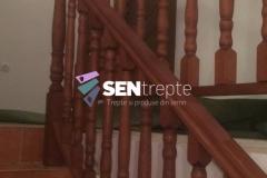 Balustrada cu stalpi din lemn