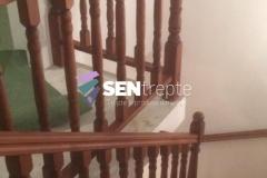 Balustrada cu stalpi din lemn 7