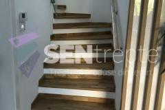 Trepte-lemn-cu-balustrada-din-sticla-4